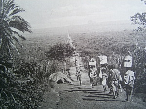 The Caravan of Baganda Porters from Entebbe to Fort Portal (V.Sella)